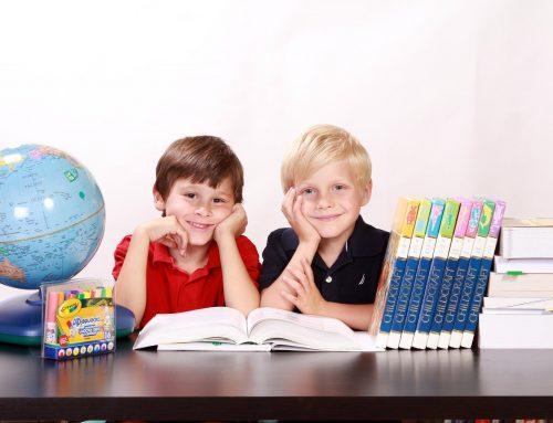 """Učenie slovíčok ako """"ešte"""", """"viac"""" alebo """"daj""""."""